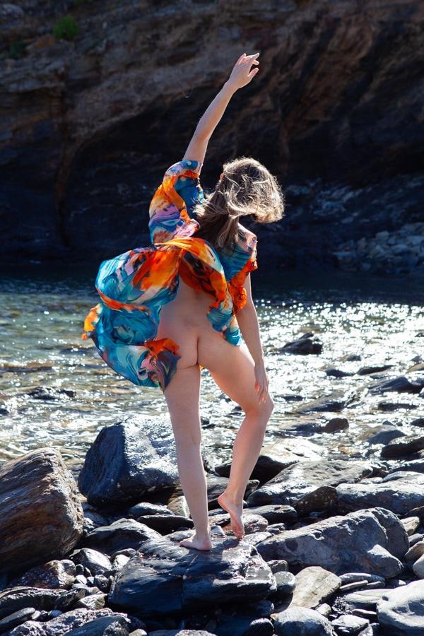 Do You Yearn To Just Feel Good? Dance like nobody's watching?